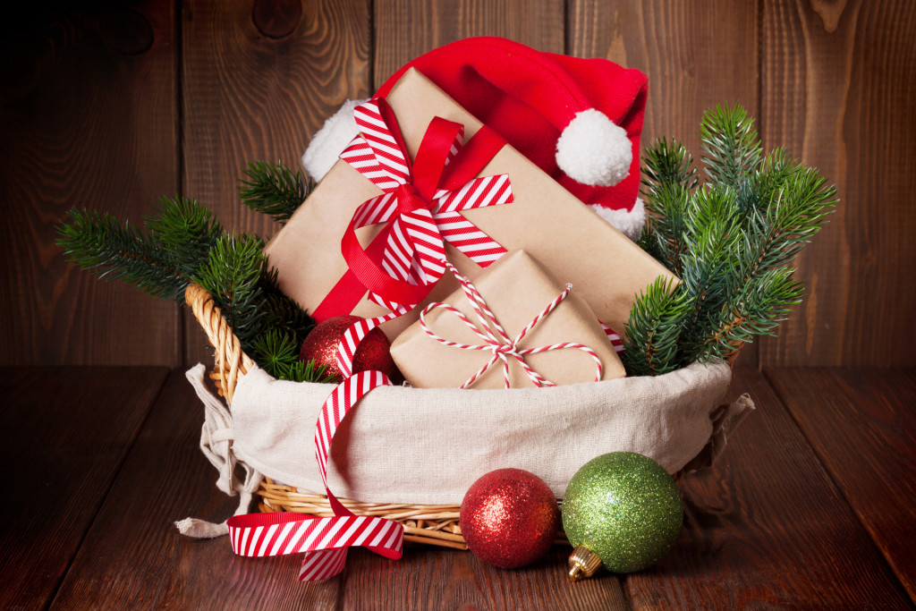 staging, wrapped presents, curb appeal
